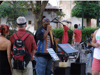 Music in the plaza 05
